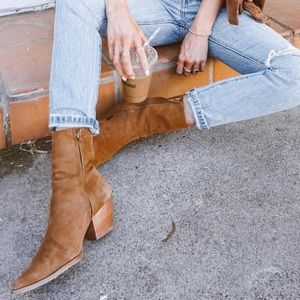 Matisse Caty Boots in Suede
